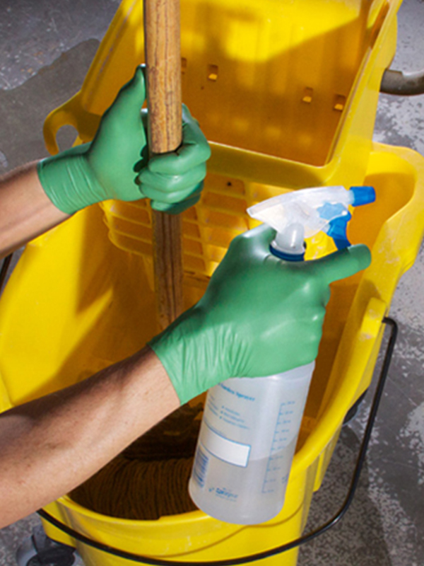 Biodegradable Green Nitrile Glove in cleaning industry